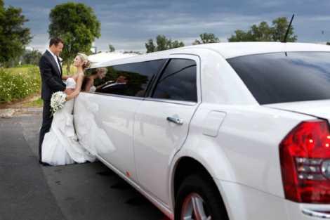 Enrik Limousines - White Chrysler Limousine Hire Melbourne