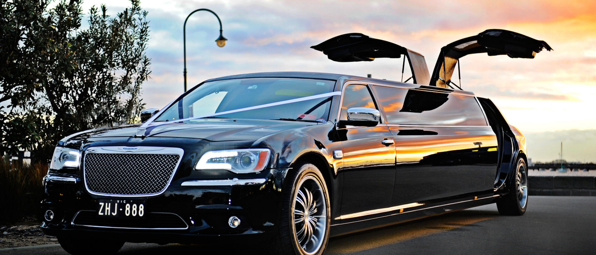 Dark Angel 10 Seater Black Chrysler Limo Hire Melbourne - Enrik Limousines