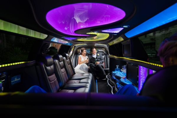 Enrik Limousines - Beautiful Wedding Limousines
