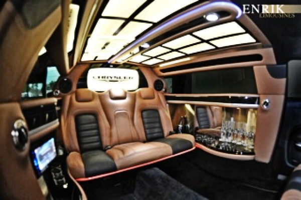 Enrik Limousines - Chrysler Limousines Wedding Hire Melbourne