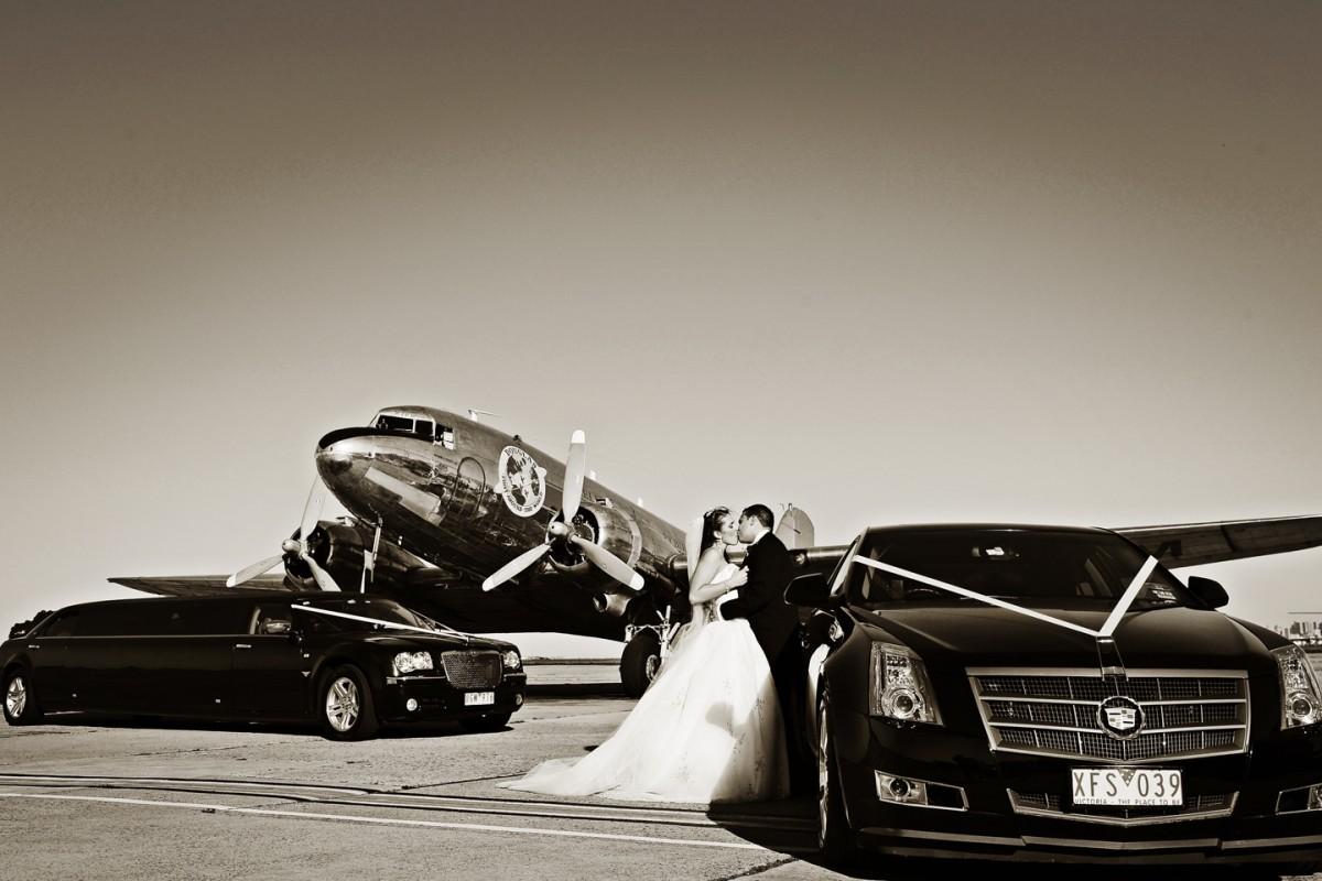 Enrik Limousines - Black Chrysler Wedding Limo Hire Melbourne