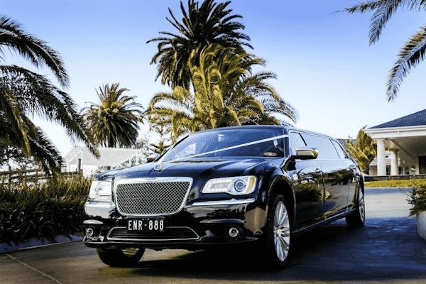 Enrik-Limousines-6-Seater-Limousine-Melbourne-12-min