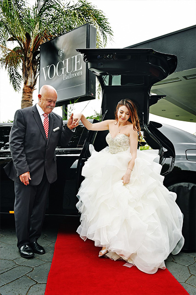 Enrik Limousines - First Class Limo Hire Melbourne - Red Carpet Service